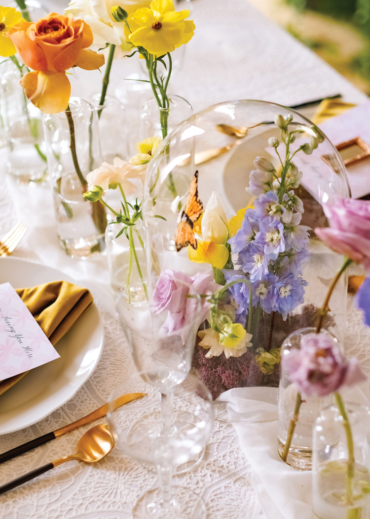 London Season - Flower Terrarium Centerpiece
